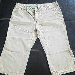 Old Navy low waist capris. Size 18. Khaki